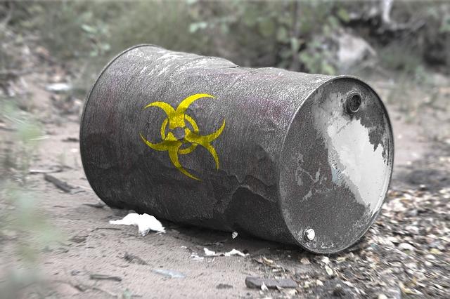 toxic-waste-2089779_640